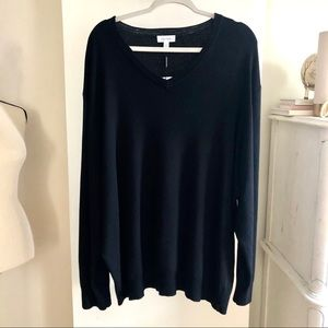 NWT Calvin Klein V-neck sweater. Size 3XL